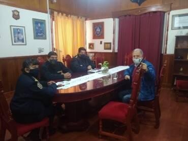 Chibán se reunió con la cúpula de la Policía