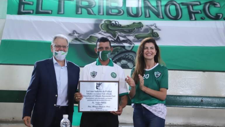 Sergio Chibán hizo entrega de la afiliación definitiva a El Tribuno FC
